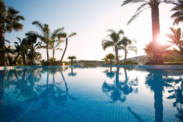 dolce sitges pool
