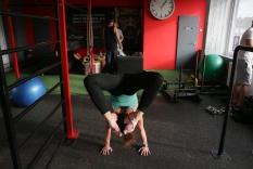 skorpiópóz: az akrobatika egyik nehéz gyakorlata